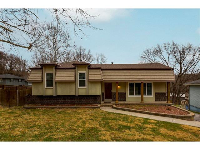 4895 NW Misty Lane, Kansas City, MO 64152 (#2083445) :: Edie Waters Team