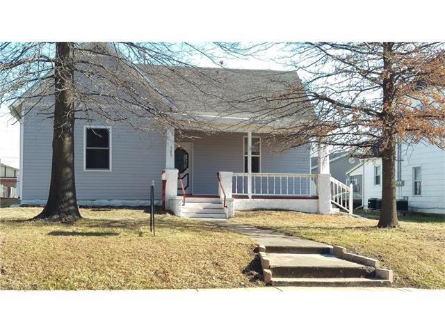 503 S Independence Street, Harrisonville, MO 64701 (#2083465) :: Edie Waters Team