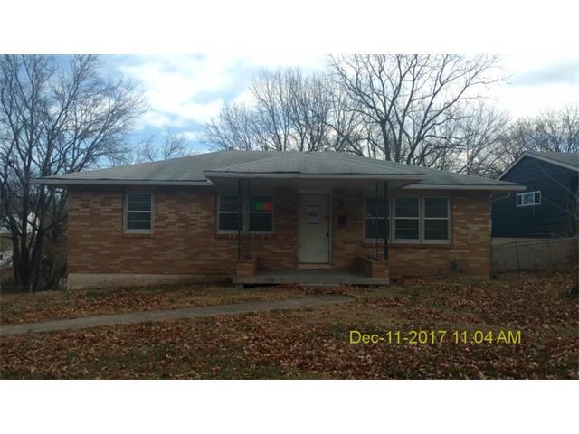 1917 N 46th Terrace, Kansas City, KS 66102 (#2083508) :: Edie Waters Team