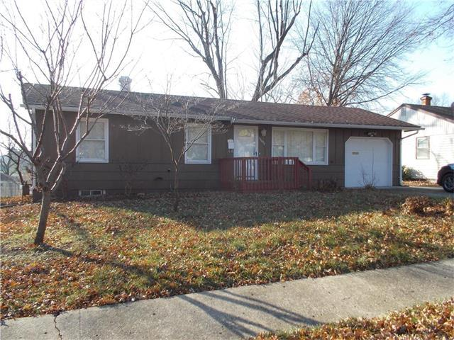 13609 E 41st Street, Independence, MO 64055 (#2083649) :: Edie Waters Team
