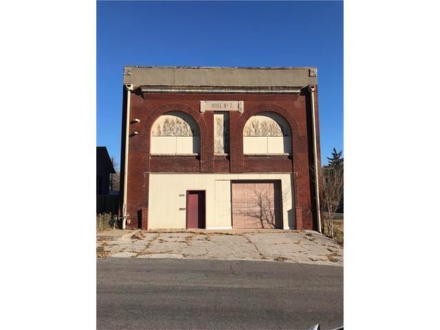 1005 N 10th Street, St Joseph, MO 64501 (#2083763) :: HergGroup Kansas City