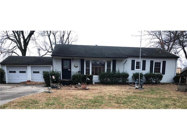 614 W 4th Avenue, Garnett, KS 66032 (#2083907) :: The Shannon Lyon Group - Keller Williams Realty Partners