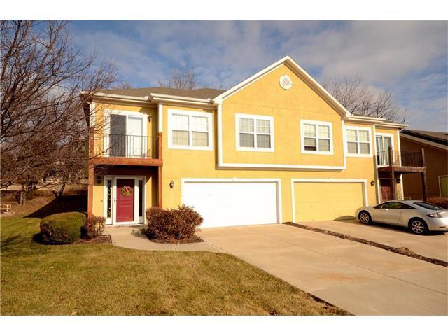 13712 Grove Avenue, Bonner Springs, KS 66012 (#2084186) :: Edie Waters Team