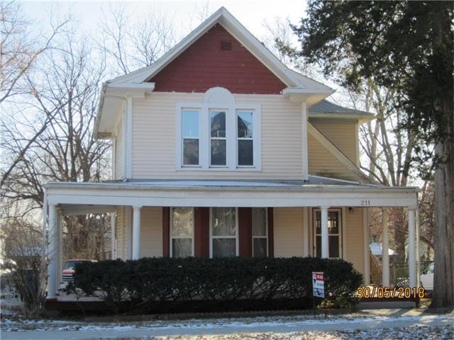 211 W Franklin Street, Liberty, MO 64068 (#2084659) :: Edie Waters Network