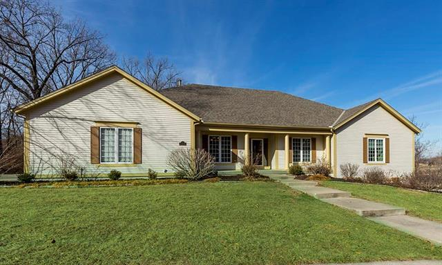 6124 Persimmon Court, Parkville, MO 64152 (#2084982) :: The Shannon Lyon Group - Keller Williams Realty Partners