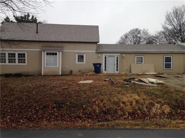 19790 Vine Street, Stilwell, KS 66085 (#2085106) :: Char MacCallum Real Estate Group