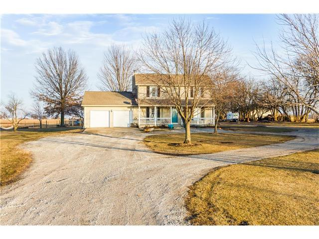 28275 Woodland Road, Paola, KS 66071 (#2085586) :: Char MacCallum Real Estate Group