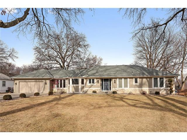 3412 W 93RD Street, Leawood, KS 66206 (#2085658) :: Char MacCallum Real Estate Group