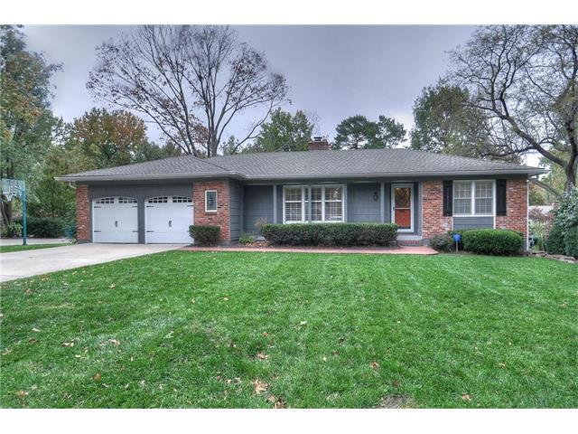 8221 Linden Drive, Prairie Village, KS 66208 (#2085697) :: Char MacCallum Real Estate Group