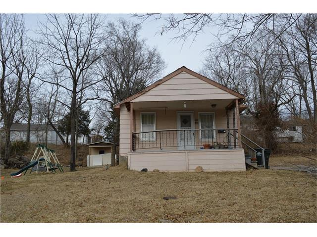 11324 E 10th Street, Independence, MO 64054 (#2085720) :: Edie Waters Network