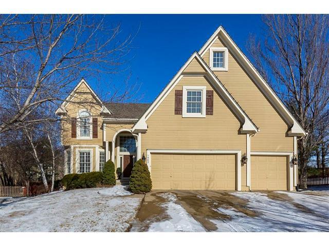 7902 W 129TH Terrace, Overland Park, KS 66213 (#2086082) :: Char MacCallum Real Estate Group