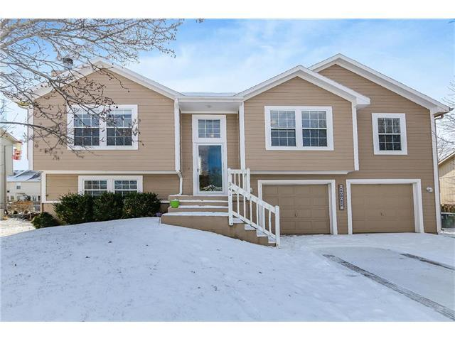 341 W Mockingbird Street, Gardner, KS 66030 (#2086111) :: Char MacCallum Real Estate Group