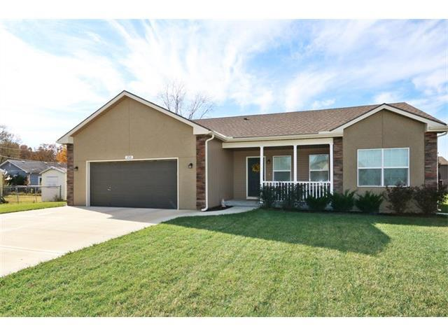 250 N Walnut Street, Gardner, KS 66063 (#2086134) :: Char MacCallum Real Estate Group