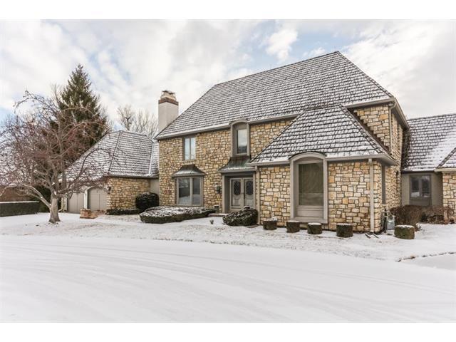 23 Le Mans Court, Prairie Village, KS 66208 (#2086165) :: Char MacCallum Real Estate Group