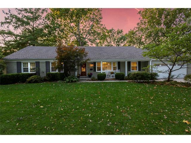 9312 Pawnee Lane, Leawood, KS 66206 (#2086217) :: Char MacCallum Real Estate Group