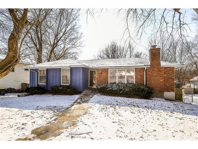 12815 W 99th Street, Lenexa, KS 66215 (#2086319) :: Char MacCallum Real Estate Group
