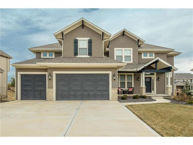 16125 Monrovia Street, Overland Park, KS 66221 (#2086356) :: Char MacCallum Real Estate Group