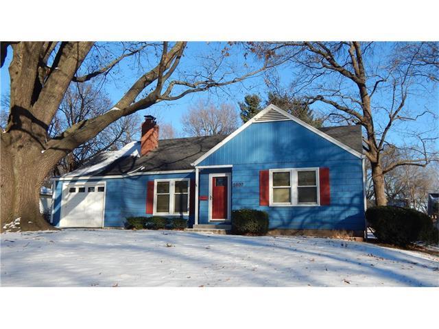 5807 Riggs Street, Mission, KS 66202 (#2086365) :: Char MacCallum Real Estate Group