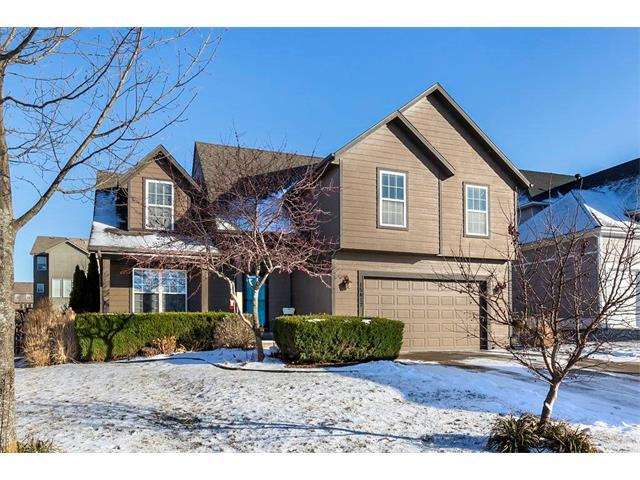 15417 S Greenwood Street, Olathe, KS 66062 (#2086509) :: Char MacCallum Real Estate Group