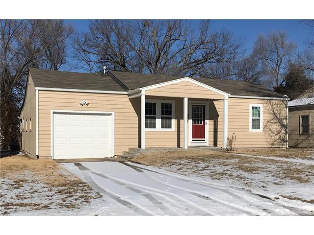 1742 Main Street Terrace, Osawatomie, KS 66064 (#2086576) :: Edie Waters Team