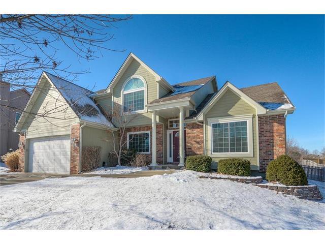 1505 SW Cross Creek Place, Blue Springs, MO 64015 (#2086594) :: Edie Waters Team