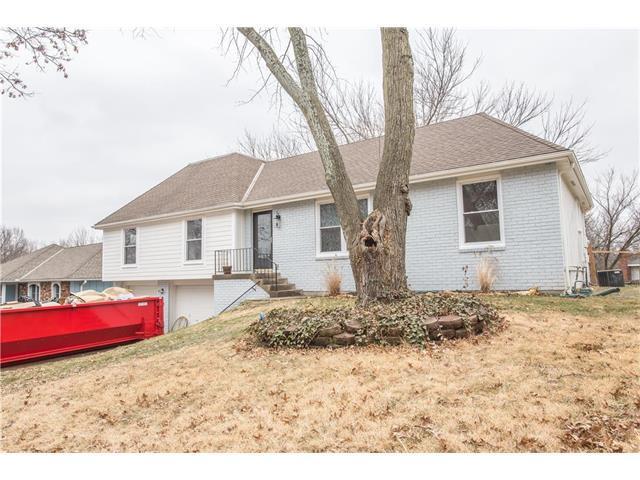 12928 Cherry Street, Kansas City, MO 64145 (#2086686) :: The Gunselman Team