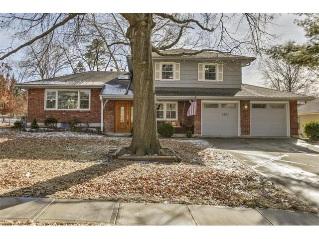 5707 W 98TH Place, Overland Park, KS 66207 (#2086719) :: The Shannon Lyon Group - Keller Williams Realty Partners