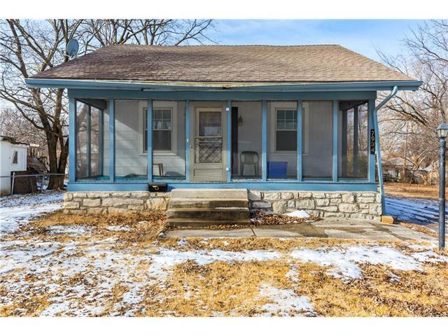 7934 Garfield Avenue, Kansas City, MO 64132 (#2086721) :: The Shannon Lyon Group - Keller Williams Realty Partners
