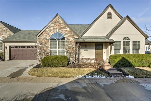 13160 Goodman Street, Overland Park, KS 66213 (#2086923) :: The Gunselman Team