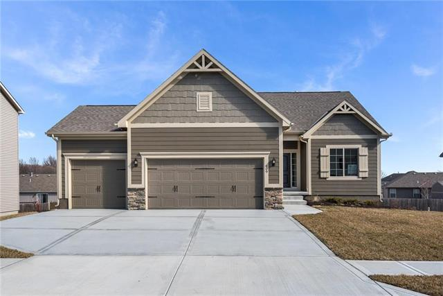 1303 Belinder Drive, Raymore, MO 64083 (#2087441) :: The Shannon Lyon Group - Keller Williams Realty Partners
