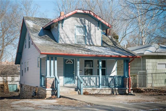 1540 E 50th Terrace, Kansas City, MO 64110 (#2087504) :: Edie Waters Network