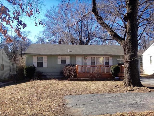 9108 Wornall Road, Kansas City, MO 64114 (#2087576) :: Edie Waters Team
