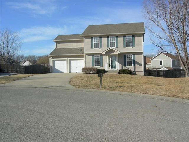 22649 St Francis Court, Spring Hill, KS 66083 (#2087909) :: Edie Waters Team