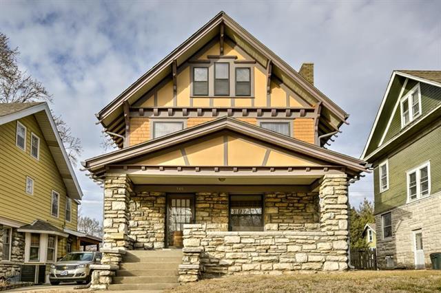 940 W 33RD Terrace, Kansas City, MO 64111 (#2088184) :: Edie Waters Team