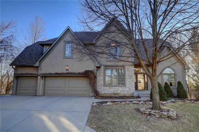 8121 NW Walnut Way, Parkville, MO 64152 (#2088211) :: Tradition Home Group