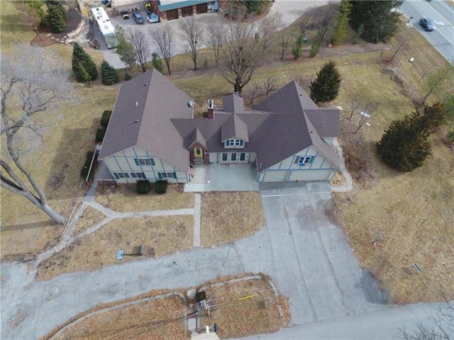 7201 NW Maple Lane, Platte Woods, MO 64151 (#2088254) :: Edie Waters Team
