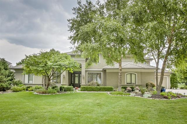 13802 Aberdeen Street, Leawood, KS 66224 (#2088389) :: Kedish Realty Group at Keller Williams Realty