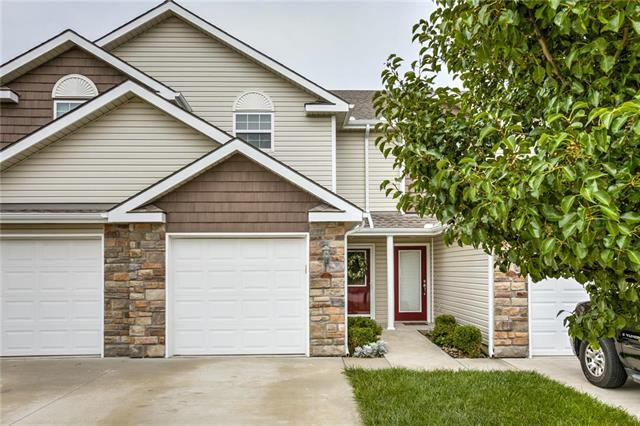 221 Pointe Lane, Raymore, MO 64083 (#2088391) :: NestWork Homes