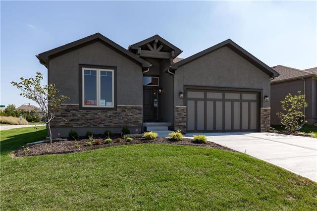 9885 Garden Street, Lenexa, KS 66227 (#2088574) :: The Shannon Lyon Group - Keller Williams Realty Partners