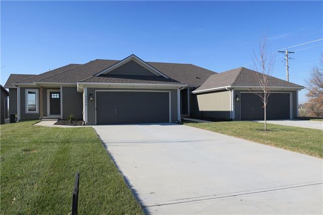4908 141st Terrace, Basehor, KS 66007 (#2088895) :: HergGroup Kansas City