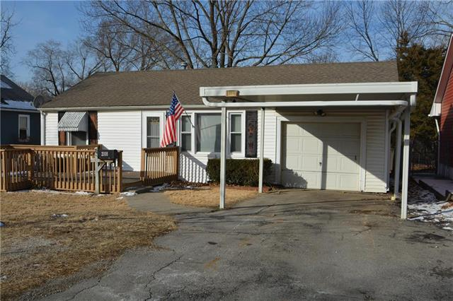 2008 S Hardy Avenue, Independence, MO 64052 (#2089045) :: Edie Waters Team