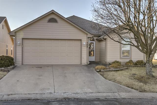 502 S Saturn Street, Raymore, MO 64083 (#2089058) :: The Shannon Lyon Group - Keller Williams Realty Partners
