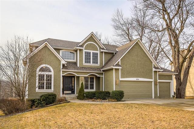 2721 SW Gray Lane, Lee's Summit, MO 64081 (#2089148) :: Edie Waters Team