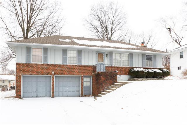 15505 E 37th Street, Independence, MO 64055 (#2089182) :: Edie Waters Team