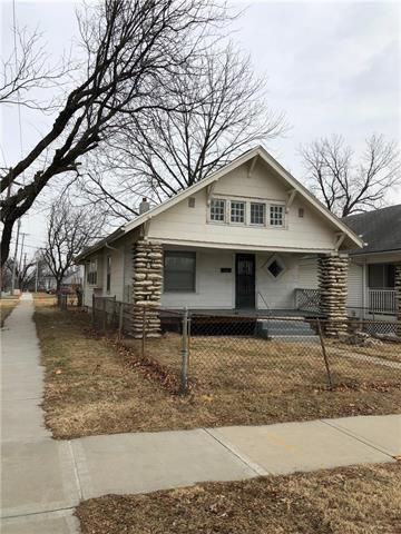 4501 Forest Avenue, Kansas City, MO 64110 (#2089219) :: Edie Waters Team