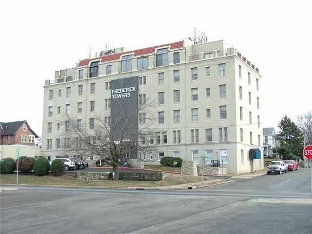2400 Frederick Avenue, St Joseph, MO 64506 (#2089336) :: The Shannon Lyon Group - Keller Williams Realty Partners