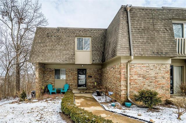 1832 E 97th Street, Kansas City, MO 64131 (#2089360) :: The Shannon Lyon Group - Keller Williams Realty Partners