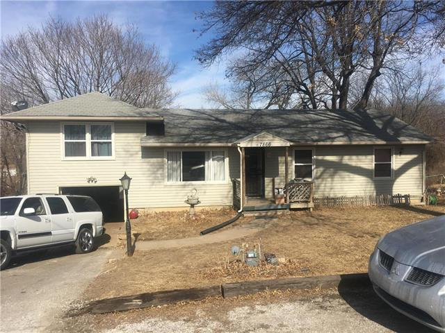 7866 Stover Lane, Kansas City, KS 66109 (#2089497) :: Edie Waters Network