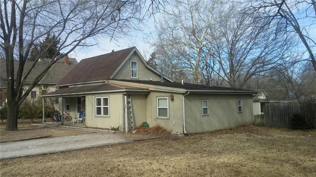 105 E Broad Street, Pleasanton, KS 66075 (#2089580) :: Edie Waters Team
