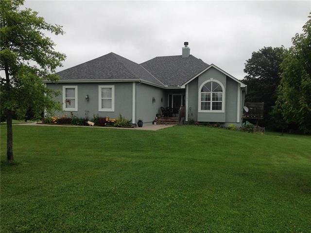 1689 NW 615th Road, Kingsville, MO 64061 (#2089746) :: Edie Waters Team
